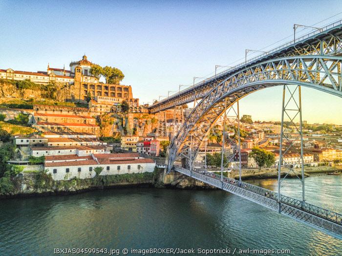 Steel bridge Dom Luis I to Vila Nova de Gaia, Porto, Portugal, Europe