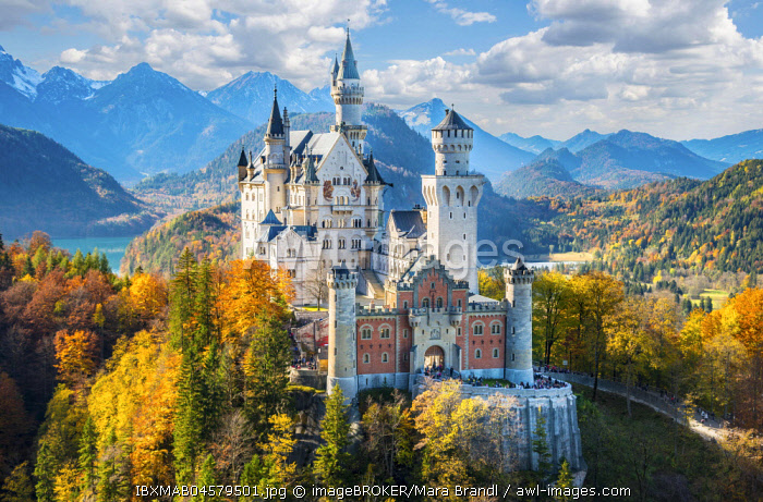 Neuschwanstein Castle in autumn, Alpsee behind, Schwangau, Ostallgau, Allgau, Swabia, Upper Bavaria, Bavaria, Germany, Europe