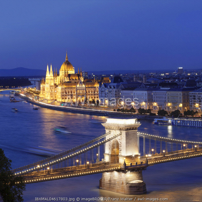 View from the castle hill over the Széchenyi Chain Bridge to the parliament, Danube, Budapest, Hungary, Europe