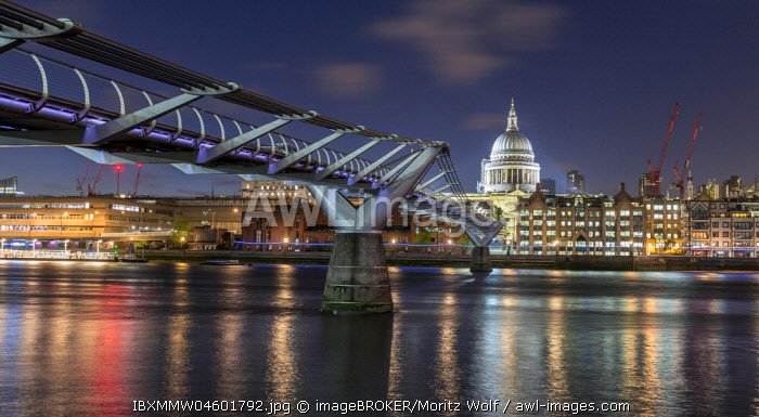 Millenium Bridge and St Paul's Cathedral by night, London, England, Great Britain