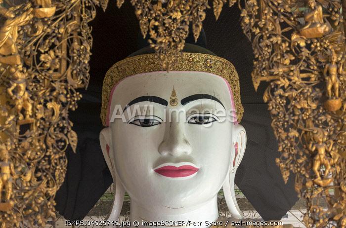 Chanthagyi Buddha Image, Shwedagon Pagoda, Yangon, Rangoon, Myanmar, Burma, Asia