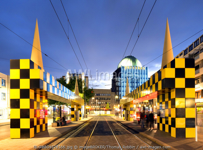 Tram stop Steintor, artist Alessandro Mendini, rear Anzeiger high-rise, evening twilight, Hannover, Lower Saxony, Germany, Europe
