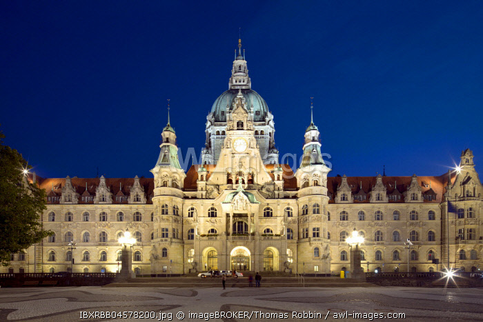 New town hall by night, Hanover, Lower Saxony, Germany, Europe