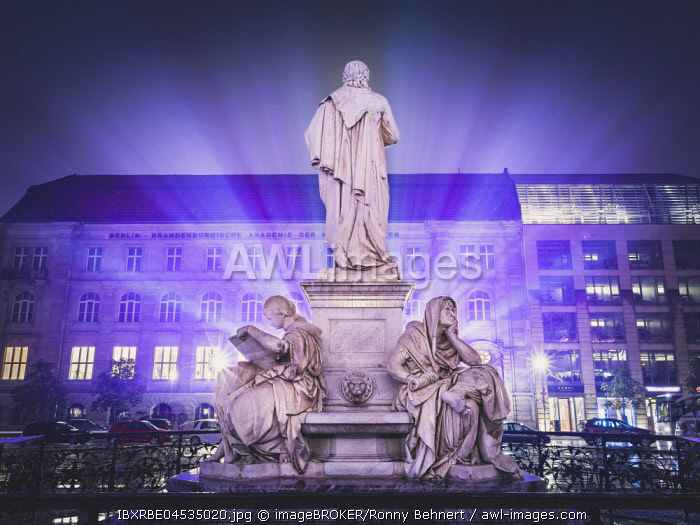Schiller Memorial, Gendarmenmarkt , Berlin, Deutschland