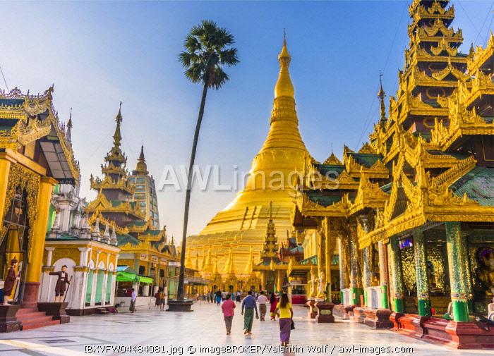 Golden Shwedagon Pagoda, main stupa, stupa, Shwedagon Paya, Shwedagon, Rangoon, Myanmar, Asia