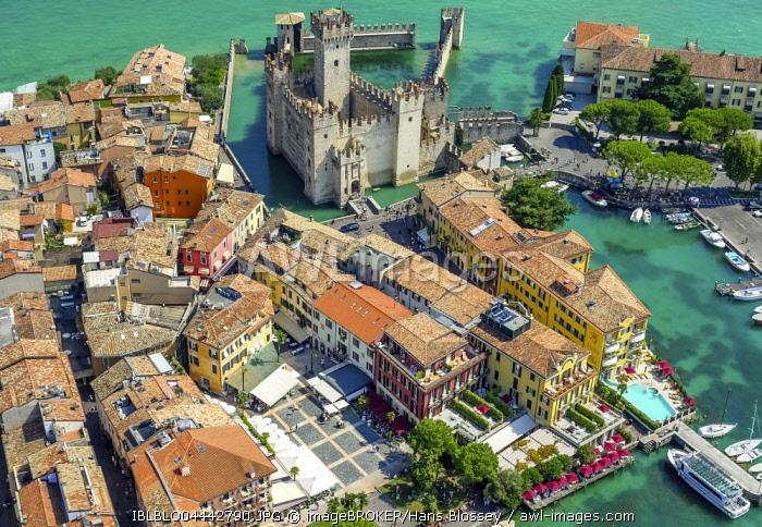 Castello Scaligero, Scaliger Castle, Sirmio peninsula on Lake Garda, Sirmione, Lombardy, Italy, Europe