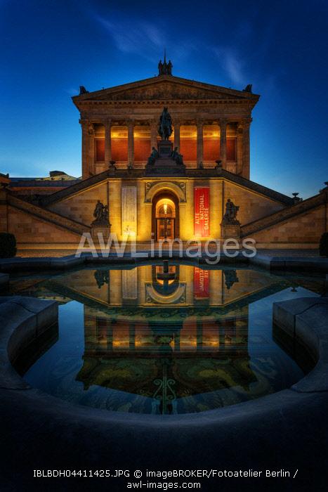Old national gallery at dusk, Museum Island, Berlin-Mitte, Berlin, Germany, Europe