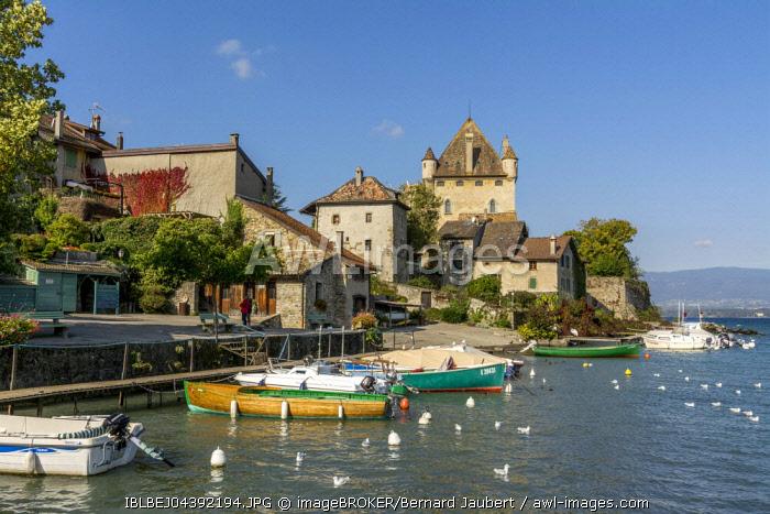 Old port on Lac Leman, Lake Geneva, Yvoire, Rhone-Alpes, Haute-Savoie, France, Europe