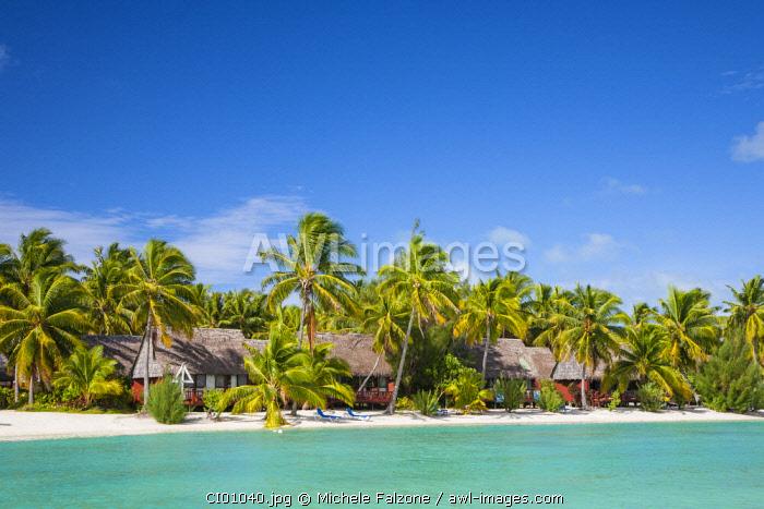 Cook Islands, Aitutaki Atoll, Smal Beach Resort on the Lagoon