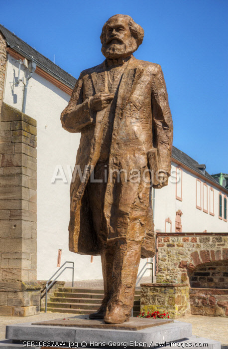 Karl Marx statue of chinese artist Wu Weishan, Trier, Rhineland-Palatinate, Germany