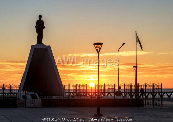 Monument to the Welsh Settlers at sunrise, Puerto Madryn, The Welsh Settlement, Chubut Province, Patagonia, Argentina
