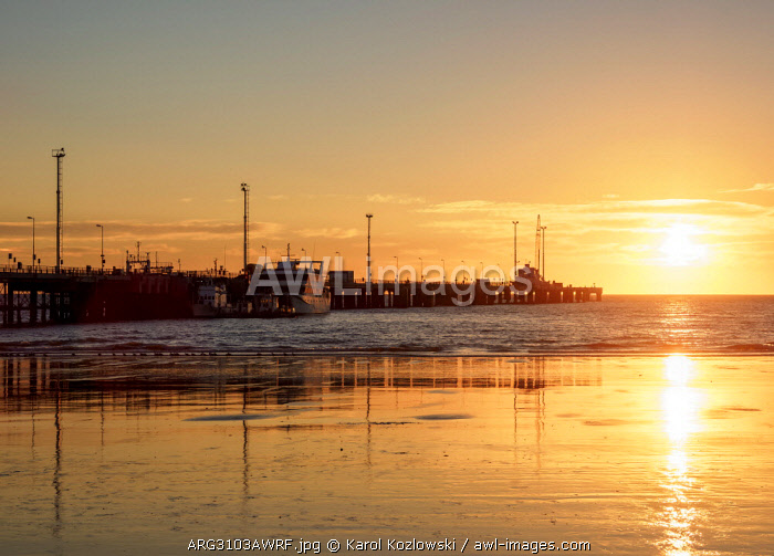 Comendante Luis Piedrabuena Pier at sunrise, Puerto Madryn, The Welsh Settlement, Chubut Province, Patagonia, Argentina