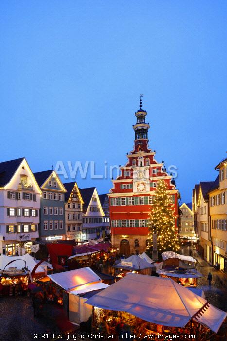 Europe, Germany, Baden Wurtemberg, Esslingen am Neckar, Christmas market (near Stuttgart)