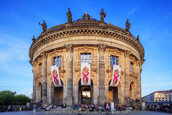Germany, Berlin, Museum Island, Spree River, baroque style Bode museum by Ernst von Ihne 1904, Unesco site