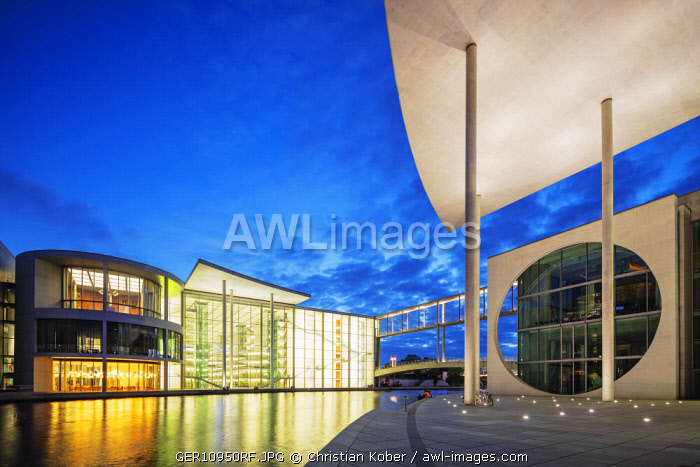 Europe, Germany, Brandenburg, Berlin, Marie Elisabeth Luders House and Paul Lobe Haus legislative building designed by Stephan Braunfels