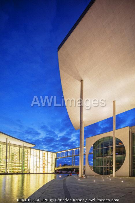 Europe, Germany, Brandenburg, Berlin, Marie Elisabeth Luders House and Paul Lobe Haus legislative building designed by Stephan Braunfels