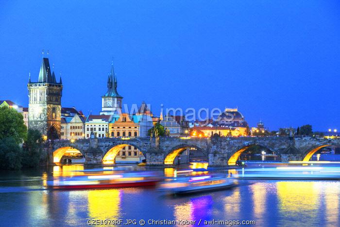 Europe, Czech Republic, Bohemia, Prague, Unesco site, Charles bridge on the Vltava river