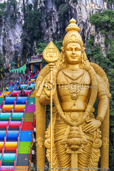 Entrance to Batu Caves with the Murugan statue, Selangor, Kuala Lumpur, Malaysia