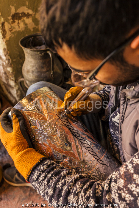 Azerbaijan, Lahic, metalworker engraving, MR