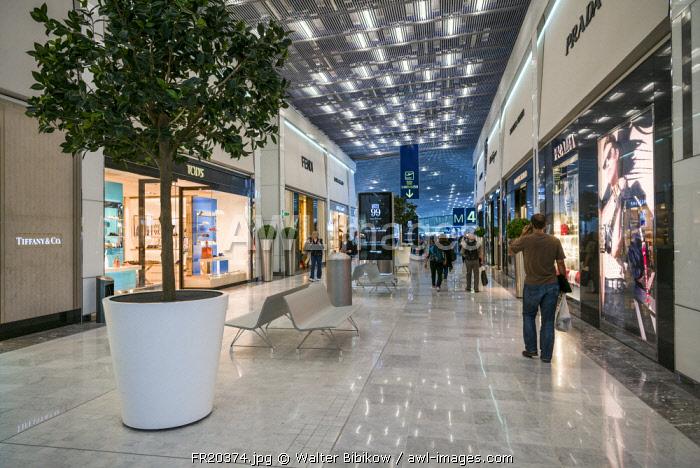 France, Paris, Chares DeGaulle Airport, Aerogare 2, Terminal E, duty free shopping area