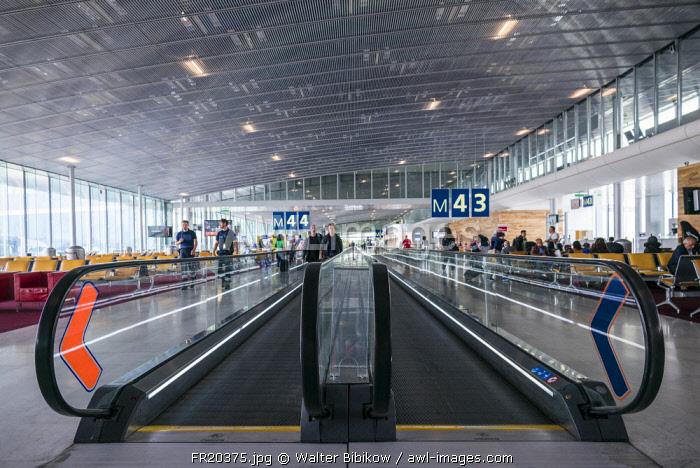 France, Paris, Chares DeGaulle Airport, Aerogare 2, Terminal E, moving sidewalk