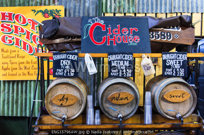 awl-images.com - England / Cider stall in the Borough Market, Southwark, London, England