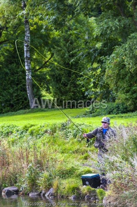 awl-images.com - England / England, Yorkshire Dales, Wharfedale, Kilnsey Park Estate, Fishing under licence