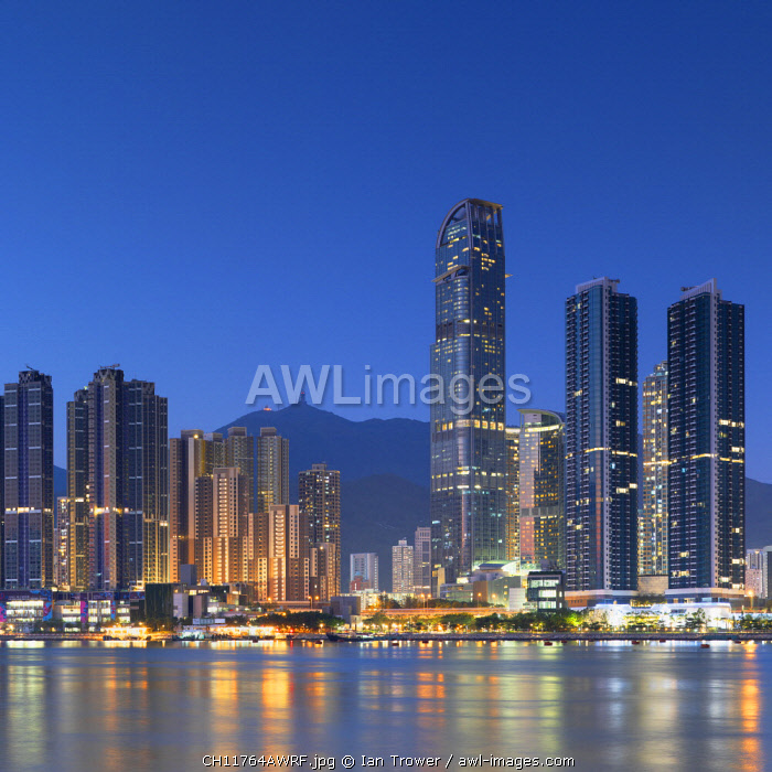 awl-images.com - China / Skyline of Tsuen Wan with Nina Tower, Tsuen Wan, Hong Kong, China