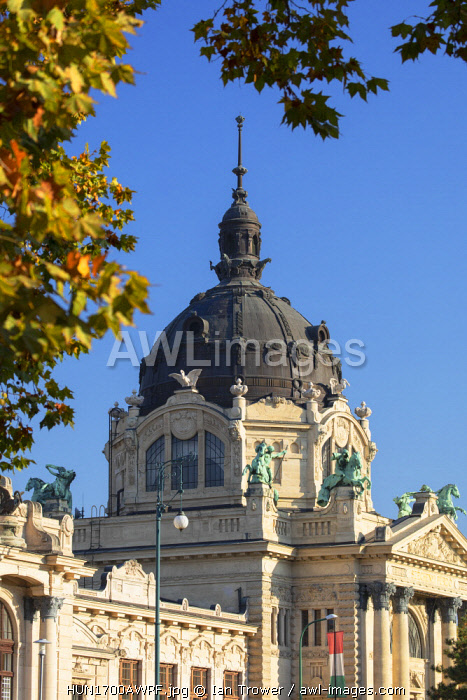 Szechenyi Thermal Baths and Spa in City Park, Budapest, Hungary