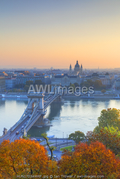 Chain Bridge (Szechenyi Bridge) and River Danube at sunrise, Budapest, Hungary