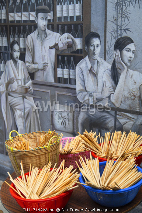 Mural and outdoor food stall, Elgin Street, Soho, Central, Hong Kong Island, Hong Kong, China