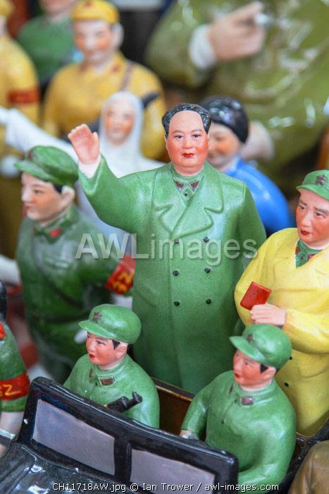 Chairman Mao model souvenir at Cat Street anitques market, Sheung Wan, Hong Kong Island, Hong Kong, China