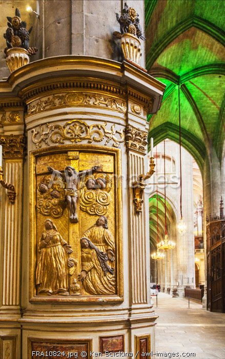 France, Occitanie, Auch. Interior of the Cathedral of Sainte Marie d Auch.