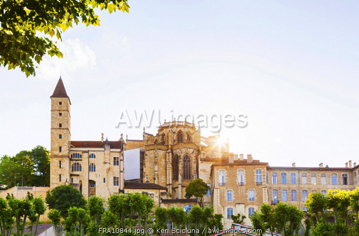 France, Occitanie, Auch. The Auch Cathedral with the Tour D Armagnac.