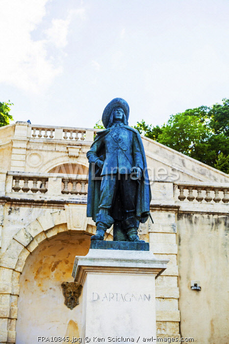 France, Occitanie, Auch. Statue of d Artagnan made famous in the novel by Alexandre Dumas The Three Musketeers based on the real life figure of Charles de Batz or Comte d Artagnan born nearby in the Chateau de Castelmore.