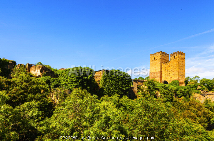 Spain, Aragon, Zaragoza. The abandoned ruins of the castle of the abandoned village of Ruesta lying on the path of the Camino Aragones going towards Santiago de Compostela some 1000 km away.