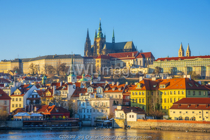awl-images.com - Czech Republic / Czech Republic, Prague, Mala Strana and Prague Castle across River Vlatava