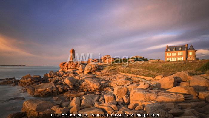 Mean Ruz lighthouse, Ploumanac'h, Perro-Guirec, Lannion district, Cote d'Amor, Brittany, France