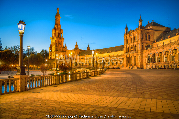 Spain, Andalucia, Seville. The Plaza De Espana in Maria Luisa Park