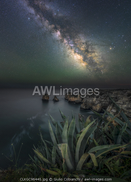Ponta de piedade, Algarve , South Portugal, Portugal, Europe, Milky Way,