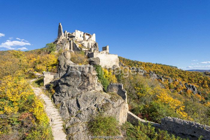 Duernstein, Wachau, Waldviertel, district of Krems, Lower Austria, Austria, Europe. The ruins of Duernstein Castle