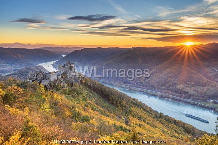 Schoenbühel-Aggsbach, Wachau, district of Melk, Lower Austria, Austria, Europe. The castle ruins of Aggstein at sunset
