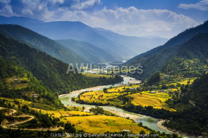 A view of Punakha valley from the roof of Khamsam Yulley Namgyal Chorten. Punakha, Bhutan,