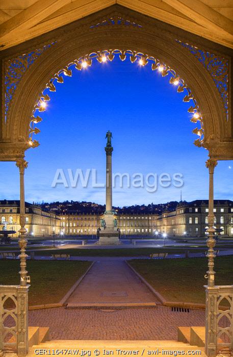 Schlossplatz (Castle Square ) and Neues Schloss (New Castle) at dawn, Stuttgart, Baden-Württemberg, Germany