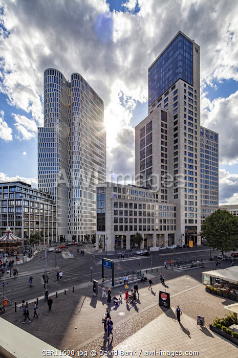 The area around Zoo Station with the newly erected Upper West on the left and the Zoo Fenster on the right. Both measuring almost 120m in height which makes them one of the tallest buildings in Berlin.