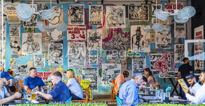 USA, Miami Floirida. Wynwood Kitchen and Bar in the Wynwood Arts District, a trendy neighborhood with restaurants, bars and wall murals.