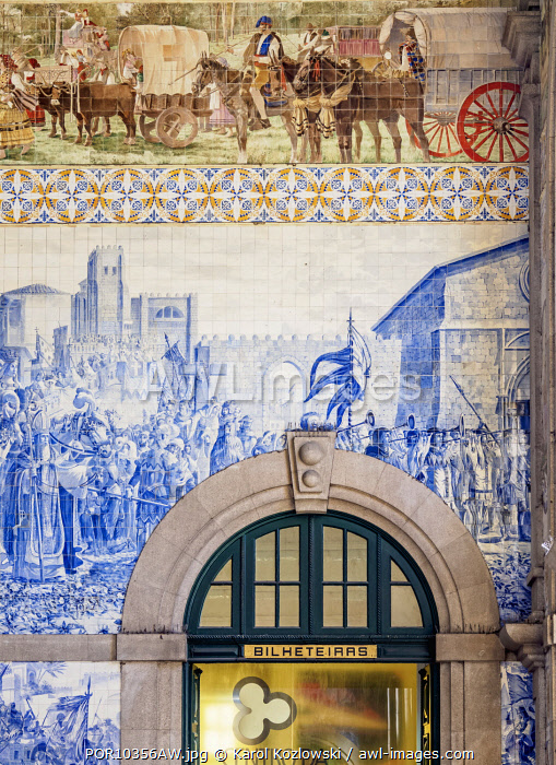 Sao Bento Train Station, interior, Porto, Portugal
