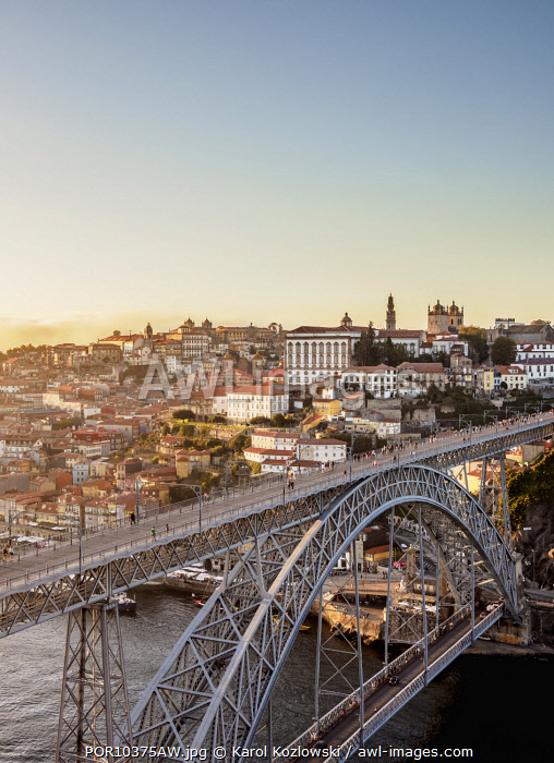 Dom Luis I Bridge at sunset, elevated view, Porto, Portugal