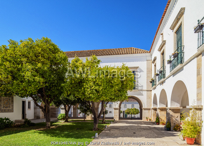 Patio of Se Cathedral, Faro, Algarve, Portugal