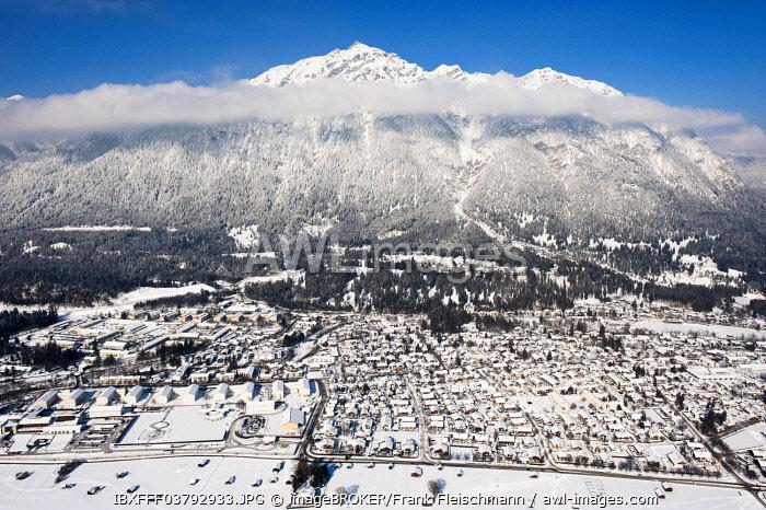 Townscape of Garmisch, Garmisch-Partenkirchen, Loisachtal, Bavaria, Germany, Europe